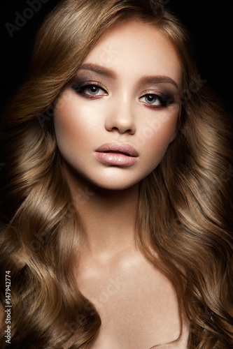 Fototapety, obrazy: Beautiful woman with professional make up and hairstyle