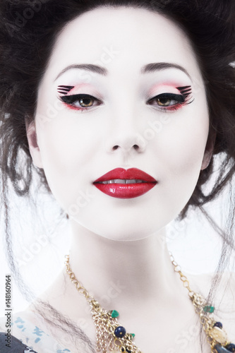 Young woman with classic japan style makeup - 148160964