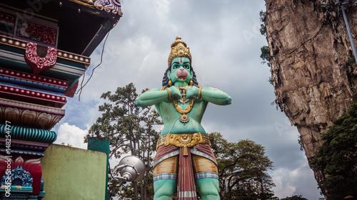 Photo  Monkey God Hanuman Statue in Batu Caves, Kuala Lumpur