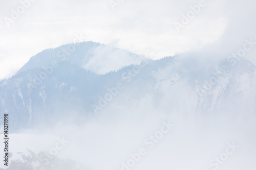 Fototapety, obrazy: Mountains in the fog