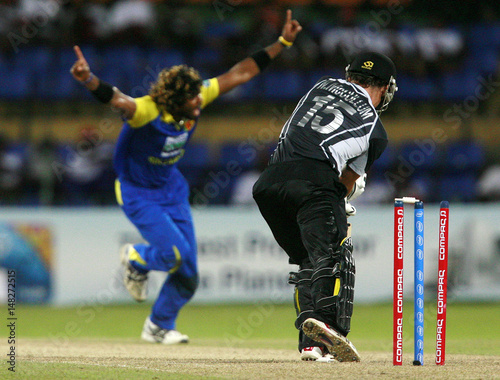 Sri Lankas Malinga Celebrates Bowling Out New Zealands