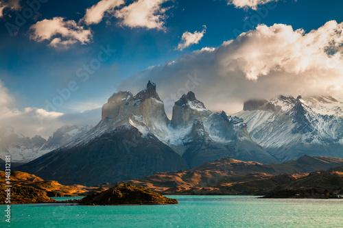 Fotografie, Obraz  Dramatic dawn in Torres del Paine, Chile
