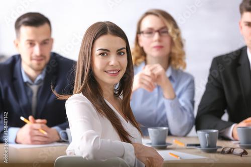 Fotografia  Human resources commission interviewing woman
