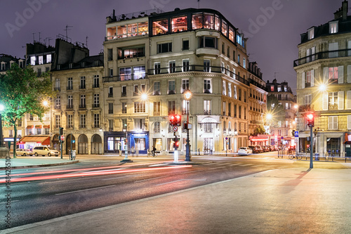 Foto op Plexiglas Caraïben Historical street in the 5th arrondissement of Paris at night, France.
