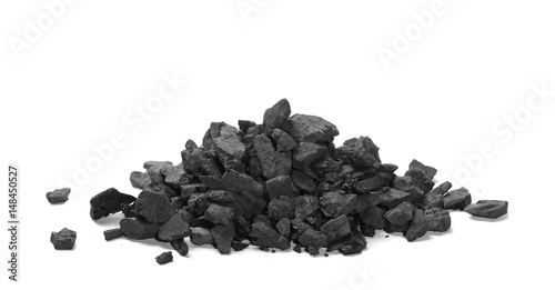 Fotomural pile black coal isolated on white background