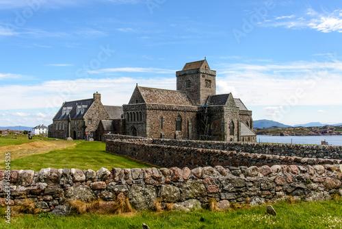 Canvas-taulu Iona abbey in Scotland
