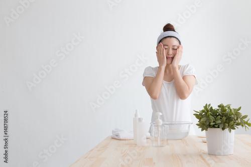 Valokuva  洗顔・女性(白バック)