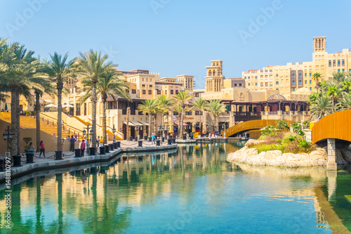 Photo  View of the Madinat Jumeirah hotel in Dubai, UAE
