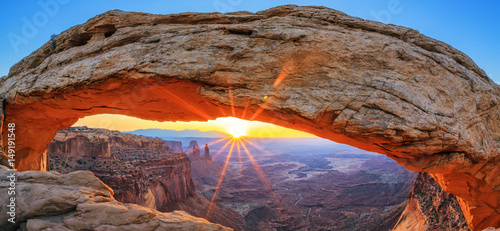 Stampa su Tela Sunrise at Mesa Arch in Canyonlands National Park