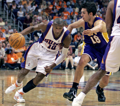 Phoenix Suns guard Leandro Barbosa drive past Los Angeles Lakers Sasha  Vujacic during Game 2 of the NBA Western Conference quarterfinals  basketball game in ... c3ebca44f