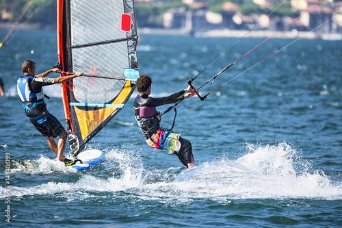 Windsurfer e kitesurfer