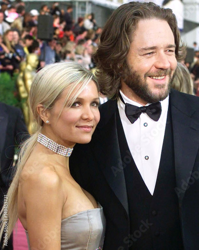 FILE PHOTO OF RUSSELL CROWE AND GIRLFRIEND DANIELLE SPENCER  - Buy