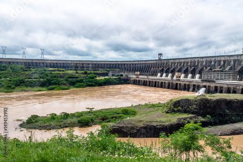 Deurstickers Dam Itaipu Dam - Brazil and Paraguay Border