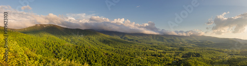 Fotografía  Panorama of the Shenandoah Valley at golden hour as seen from Shenandoah Nationa