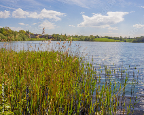 Cadres-photo bureau Inde Beautiful late spring sunshine over Pickmere Lake, Knutsford, Cheshire, UK