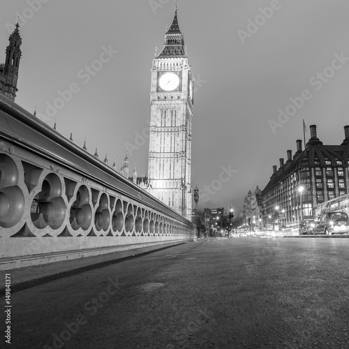 The Houses of Parliament and with Big Ben at night Wallpaper Mural