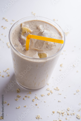 Fotografering  Smoothie of Oats, strawberry and banana