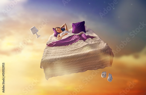 Fotografia, Obraz girl is flying in her bed