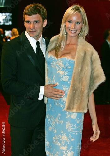 Ac Milan Soccer Teams Ukrainian Striker Andriy Shevchenko And His Wife Kristen Pazik -2040