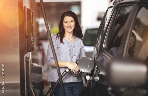 Photo  Woman at gas station