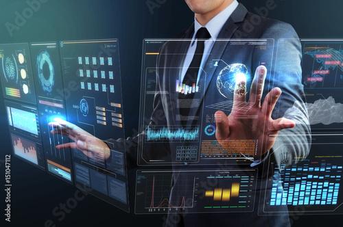 Fotografiet  businessman using transparency technology interface