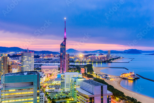 Naklejka premium Fukuoka, Japonia Skyline