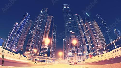 Obraz na PCV (fotoboard) Fisheye obiektywu panoramiczny obrazek Dubaj miasta śródmieście przy nocą, koloru tonowanie stosować, Zjednoczone Emiraty Arabskie.