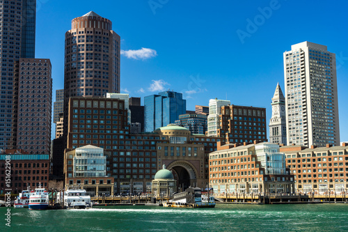Foto op Plexiglas Chicago View of downtown Boston from the docks.