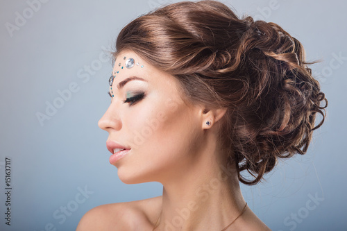 Photo hair styling, bare back