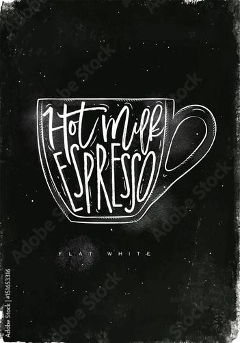 filizanka-kawy-z-napisem-na-czarnym-tle