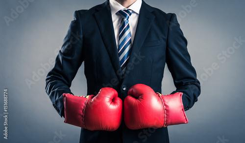 Fotomural ボクシンググローブを付けているビジネスマン