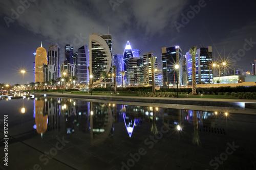 Fotografie, Obraz  Doha Skyline night shot