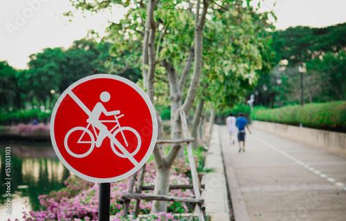Poster Op straat Do not ride sign