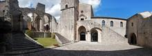 Goleto - Panoramica Dell'abbazia