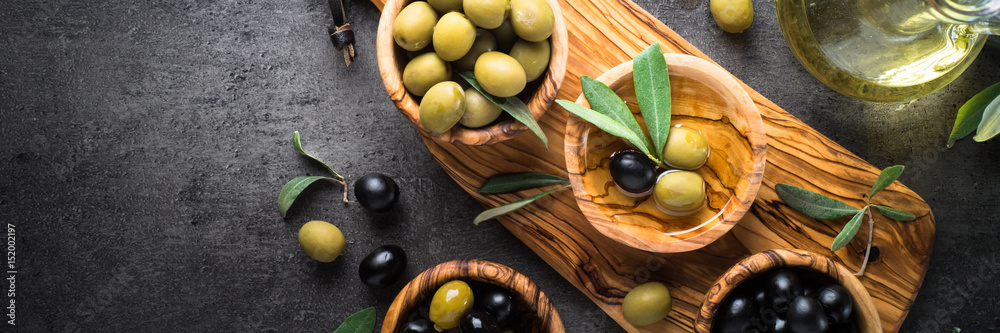 Fototapety, obrazy: Black and green olives. Top view.