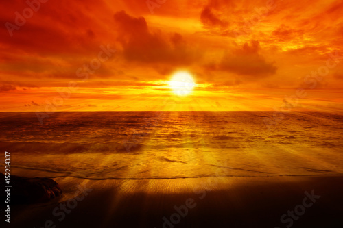 Stickers pour portes Orange eclat Morning sunrise at sea with golden sky background