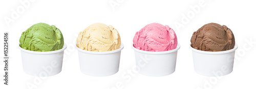 Fotomural  Ice cream scoops in white cups of chocolate, strawberry, vanilla and green tea f