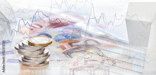 Cuadros en Lienzo Spekulation, Finanzen Euro, Börsencharts und Hochhäuser, Panorama, Hintergrund