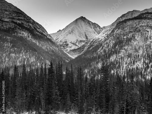 Zdjęcie XXL Pokryte śniegiem góry, Kolumbia Brytyjska, Kanada