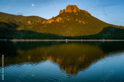 """Fotografía  Sunrise on """"The Castle"""""""