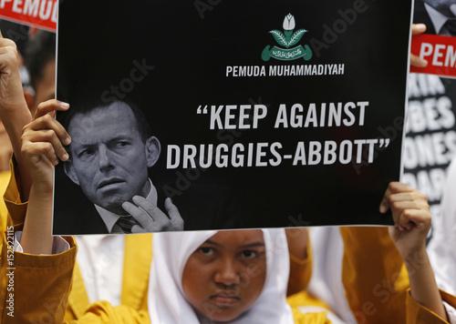 Indonesian students protest against Australian PM Abbott in