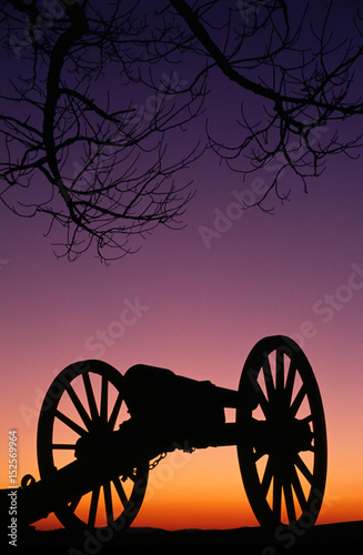 Fotografie, Obraz  War Memorial Wheeled Cannon Military Civil War Weapon Dusk Sunset