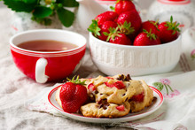 Strawberry Chocolate Chip Cook...