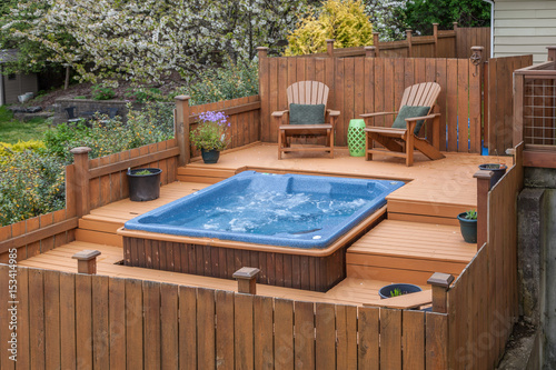 Photo  outdoor spa on deck