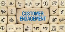 Customer Engagement / Würfel Mit Symbole