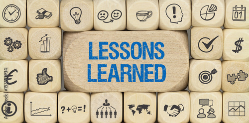 Fotografía  Lessons Learned / Würfel mit Symbole