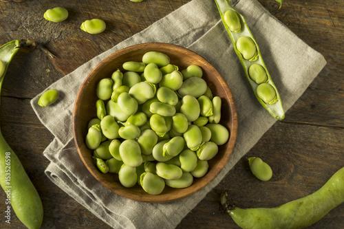 Photo  Raw Organic Fresh Green Fava Beans