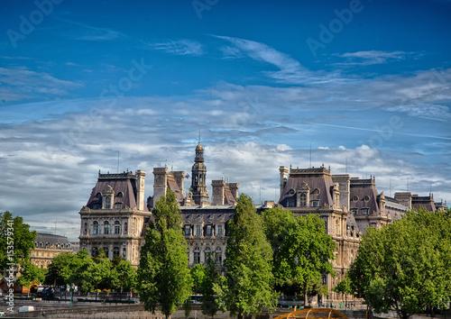 ratusz-w-paryzu-hotel-de-ville-de-paris-siedziba-miejscowej-rady-miejskiej