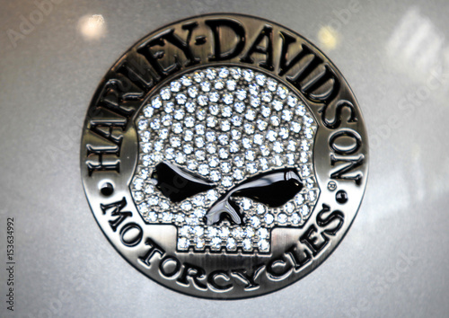 A Harley-Davidson logo is seen on a helmet at a dealership in Los Angeles Fotobehang