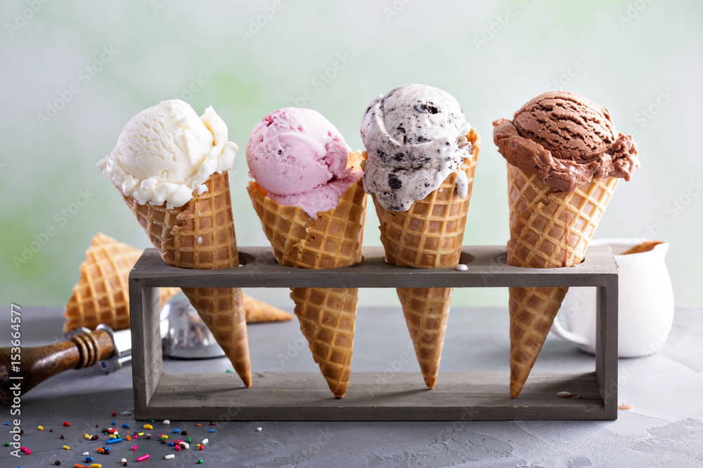 Fototapety, obrazy: Variety of ice cream cones